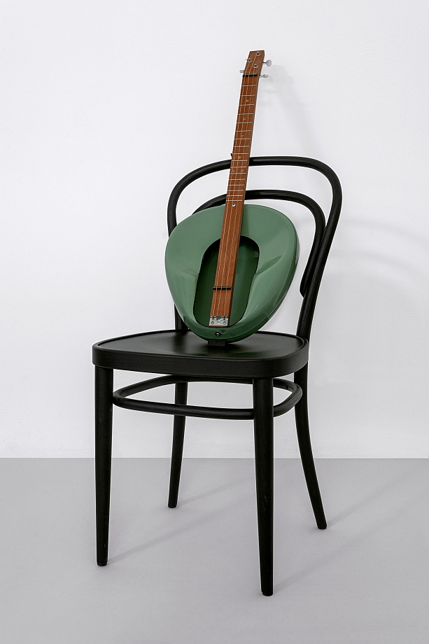 Haim Steinbach - Untitled (Thonet chair, Jackson guitar)